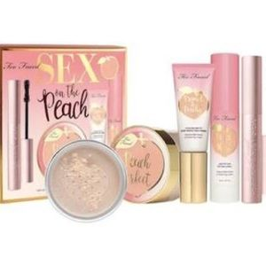 🍑NEW! Too Faced Sex on the Peach Bundle Gift Set